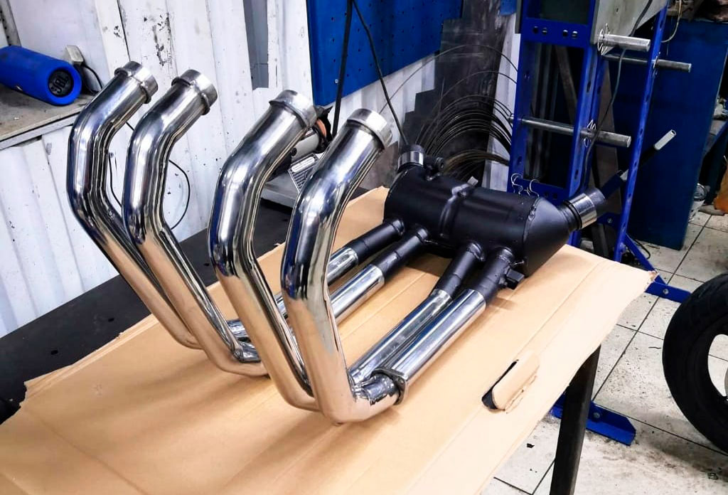 Изготовление выхлопной системы из нержавейки для мотоцикла Honda X4