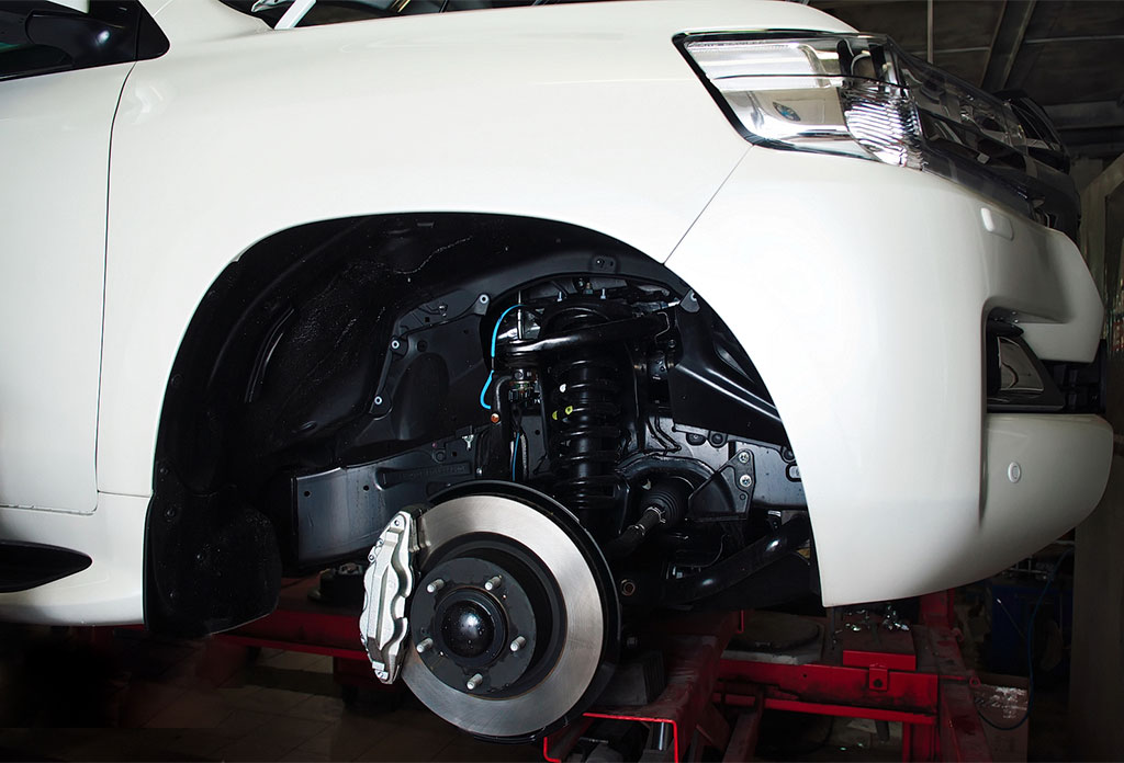 Переборка тормозных суппортов Toyota Land Cruiser 200